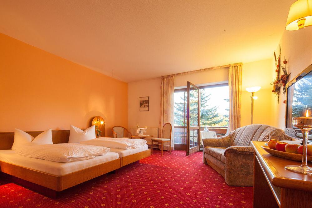 wandern am rennsteig th ringer wald 3 sterne superior hotels th ringen. Black Bedroom Furniture Sets. Home Design Ideas